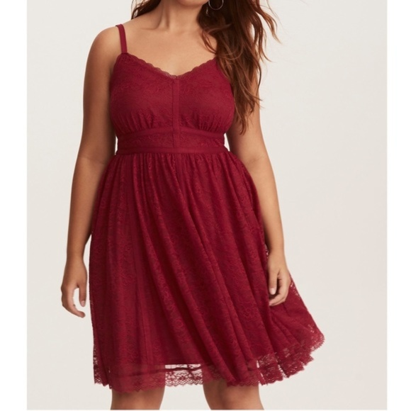 Red Lace Contrast Piping Skater Dress NWT Size 0. NWT. torrid 5494047f4